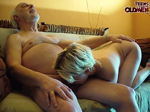 Free Girls Ball Licking Porn Pictures