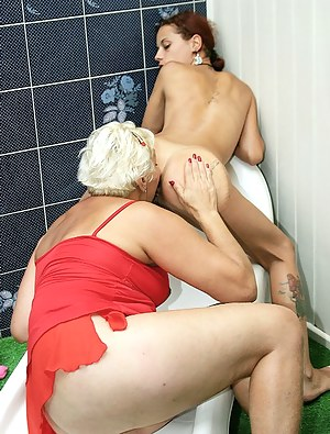 Free Lesbian Girls Ass Licking Porn Pictures