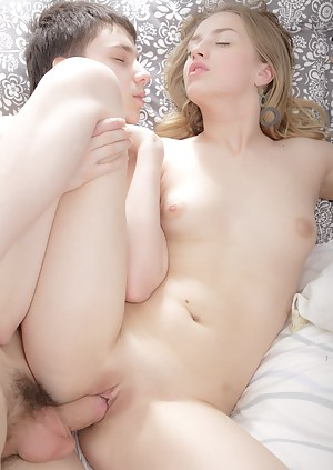 Free Girls Passionate Sex Porn Pictures