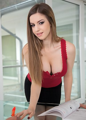 Free Girls Secretary Porn Pictures