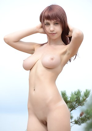 Free Girls Saggy Tits Porn Pictures