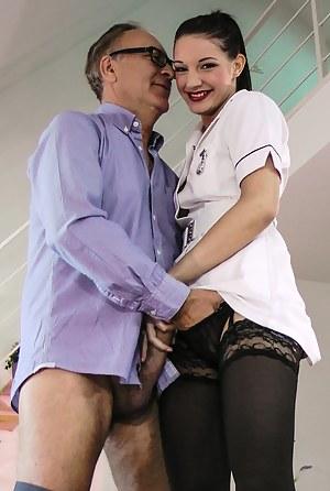 Free Girls Nurse Porn Pictures
