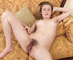 Free Hairy Girls Porn Pictures